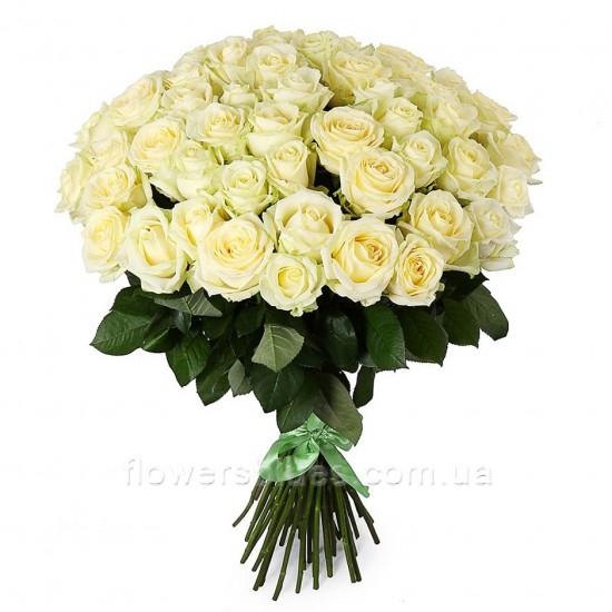 білі троянди букет