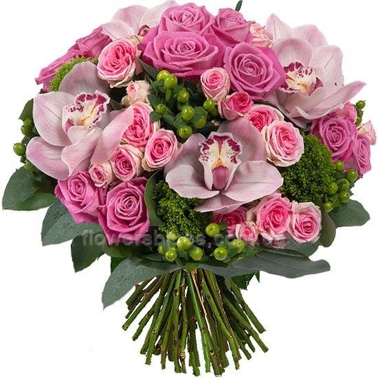 букет квітів з орхідеями