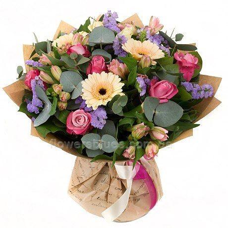елегатний букет квітів
