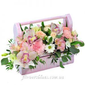композиція з квітів подарункова