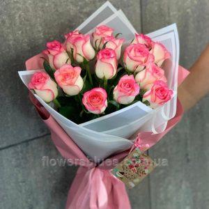 маленькі троянди букет