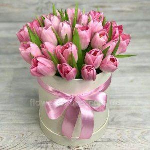 букет тюльпанів в коробці