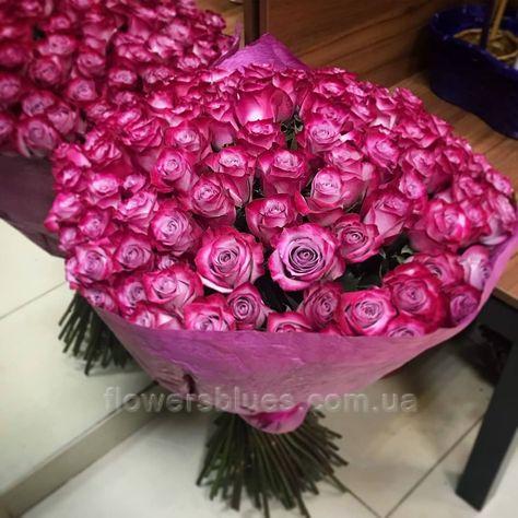 букет рожевих троянд