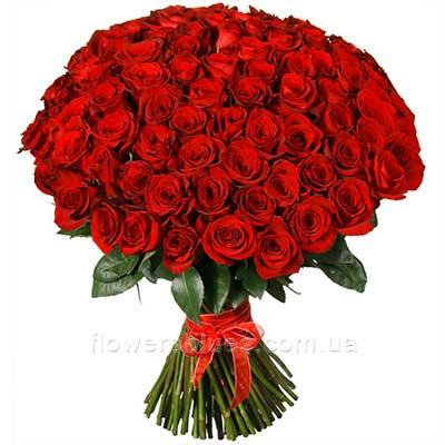 великий букет червоних троянд