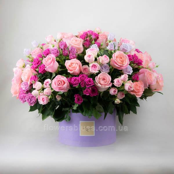 ніжні квіти в тубусі