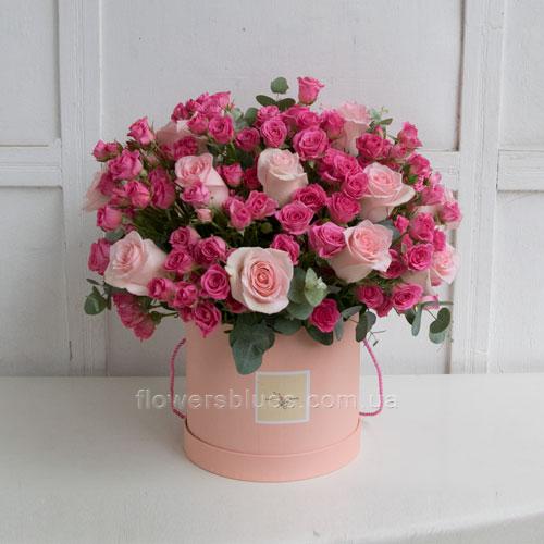 коробка з квітами фото