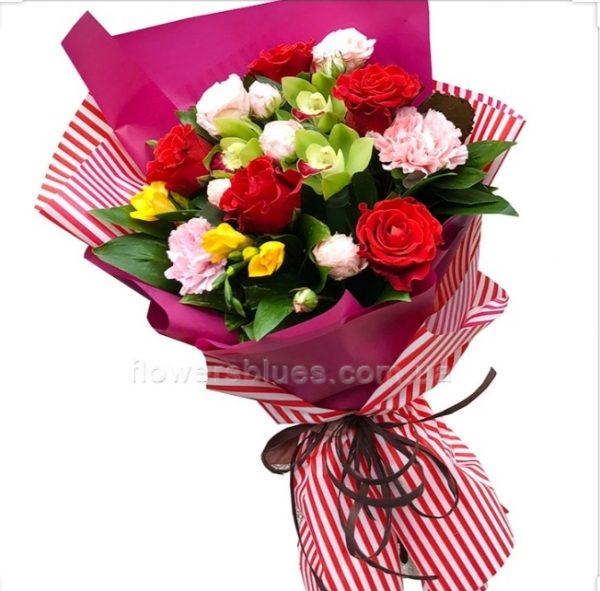 гарні букети квітів на день народження