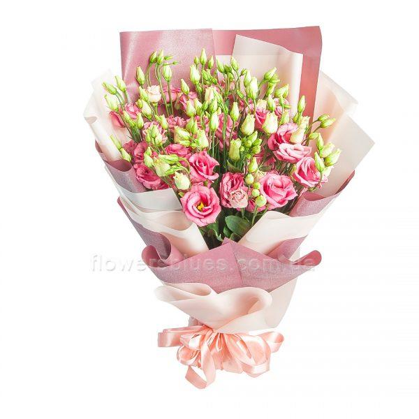букет з дрібних троянд