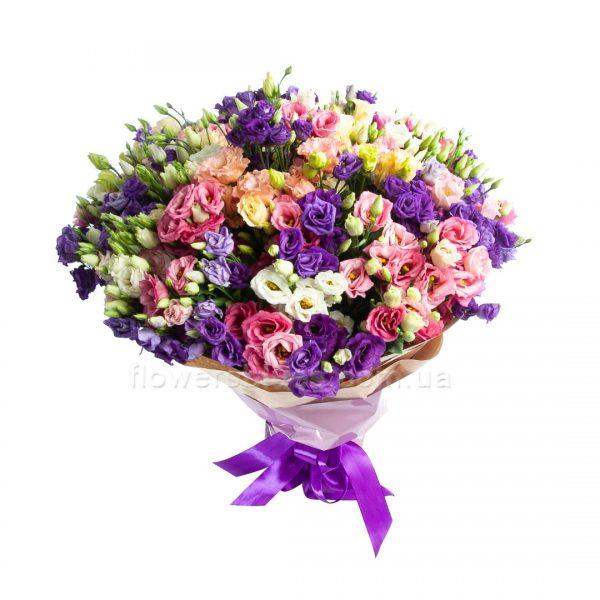 букет з маленьких троянд