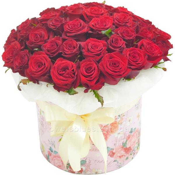 троянди в тубусі